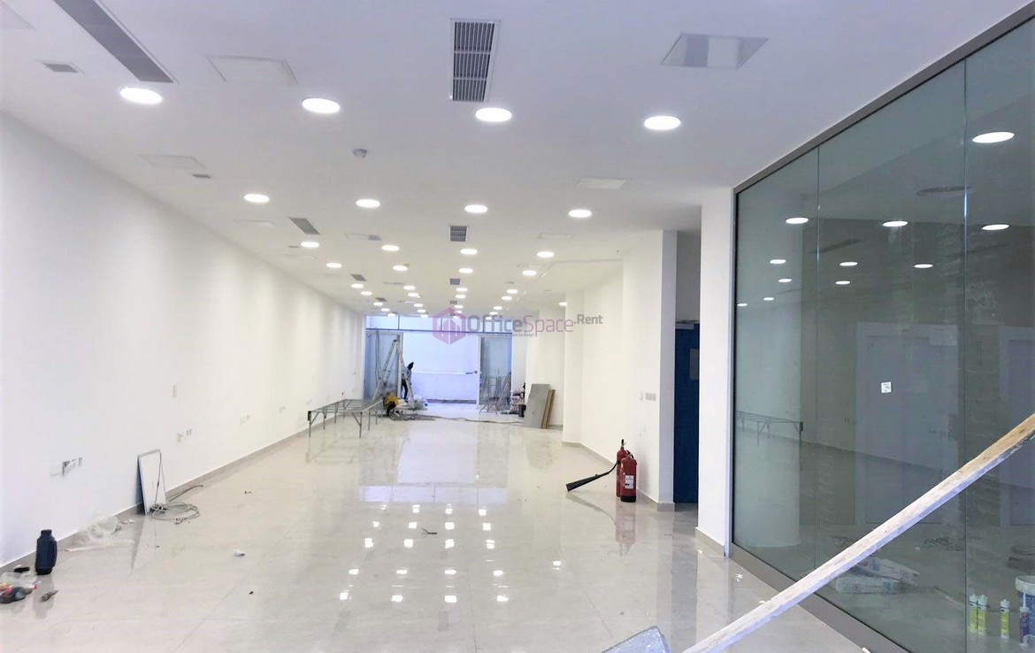 Rent Professional Office Space for 300 Employees