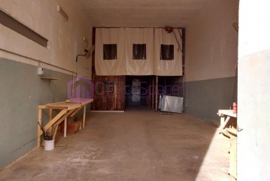 Warehouse with Mezzanine Office Space Mriehel