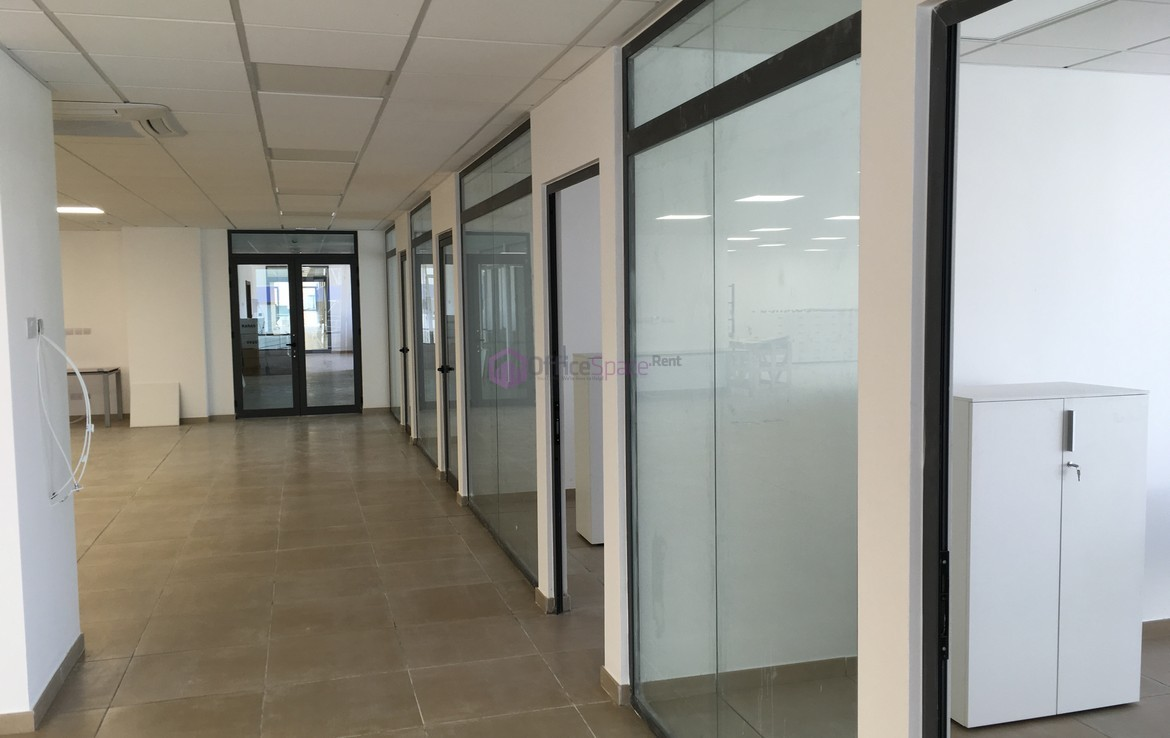 Leasing commercial office space for a business requires planning