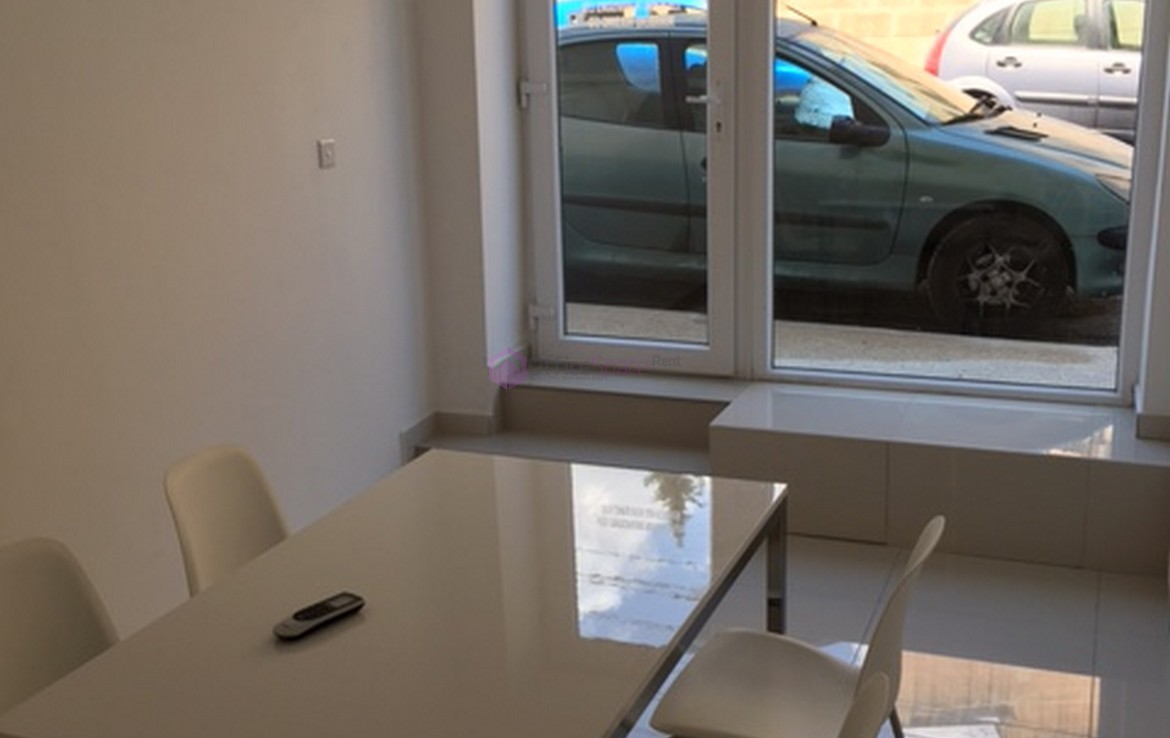 Rent affordable small office malta office space renting in malta made simple - Small space to rent photos ...