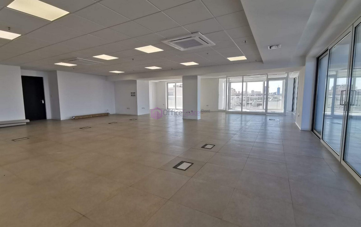 Seafront Offices in Sliema To Let