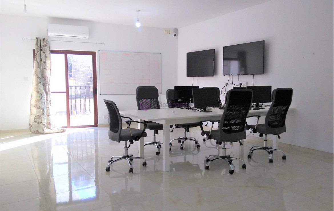 Fully Furnished Office in Malta