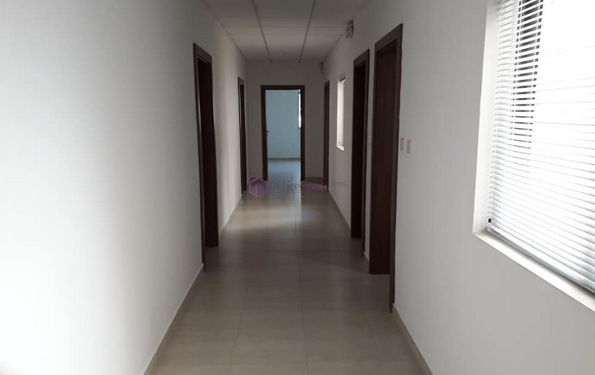 Spacious Office Centrally Located