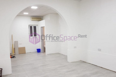 Paola Small Office To Let