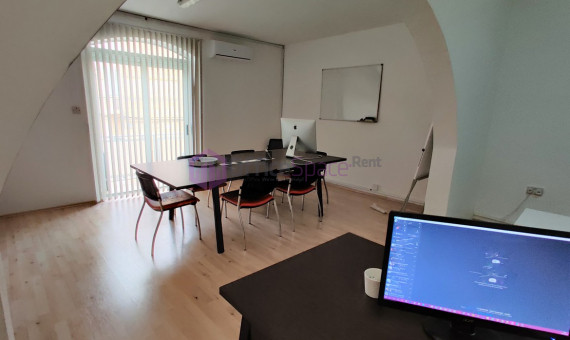 Office in Ta' Xbiex Long Rental