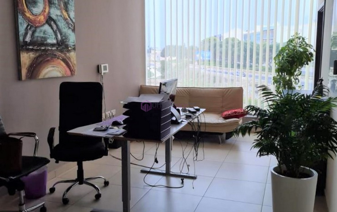 Large Office in Malta To Let