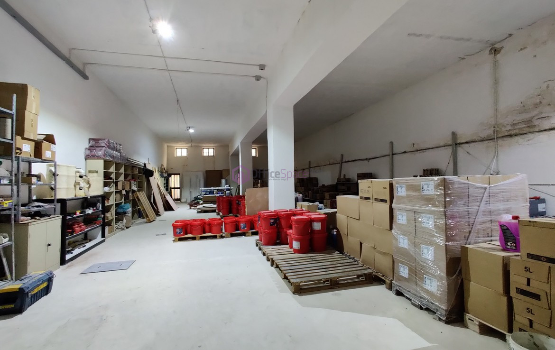 Handaq Commercial Block To Let